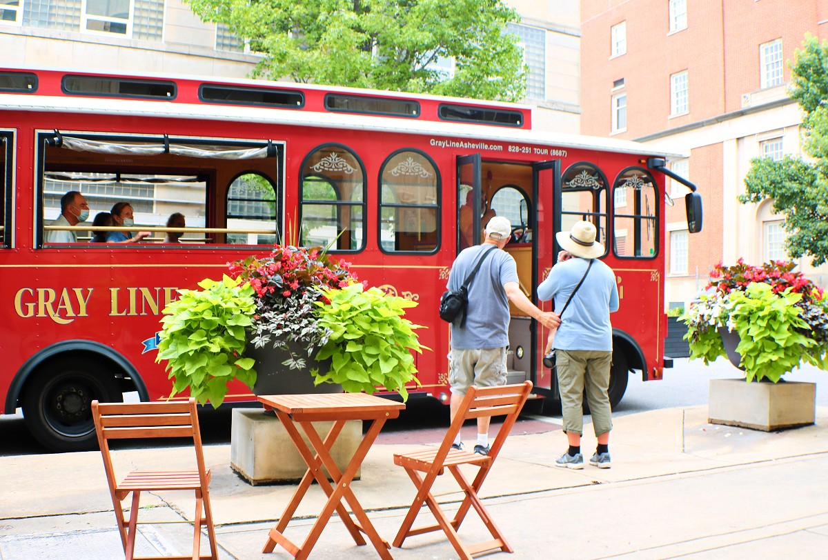 Gray Line Trolley Tours at Bebette's
